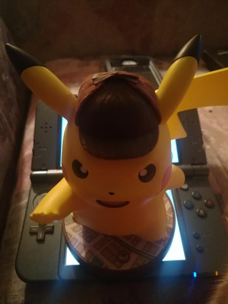 Pikachu is bigger than my 3DS. This is fine